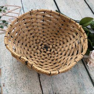 Weaved basket metal rope fruit bowl large brown